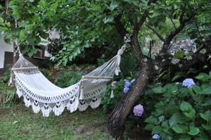 Amaca nel giardino della suite romantica