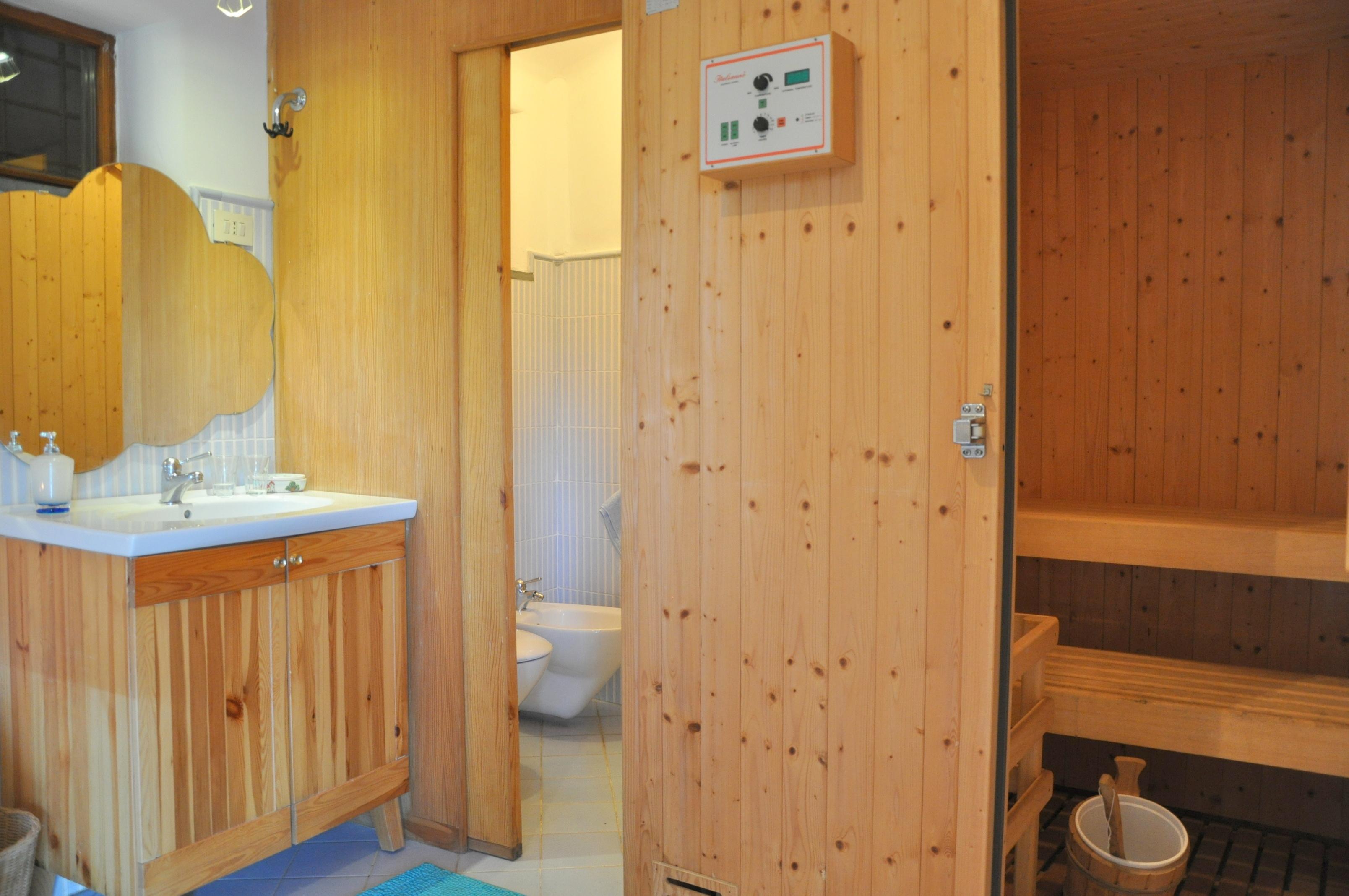 Gallery of bagno con sauna with sauna in casa prezzi for Piani per costruire una casa a buon mercato